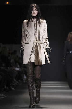 Ann Demeulemeester RTW Fall Winter 2015 Paris