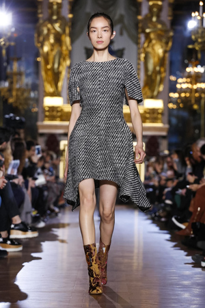 Stella-Mccartney-RTW-FW15-Paris-9314-1425893431-thumb