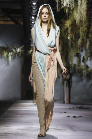 Vionnet RTW Fall Winter 2015 Paris